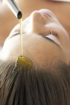 Какое оливковое масло лучше применять в косметических целях?