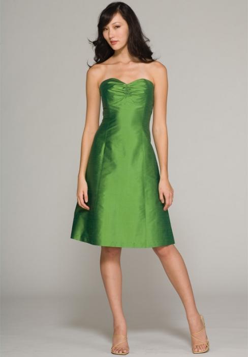 зеленое платье на свадьбу подруги