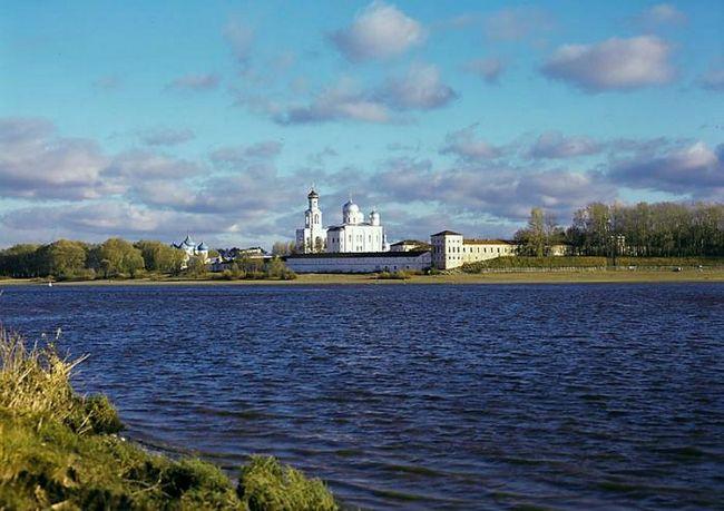 Самый старый город в России