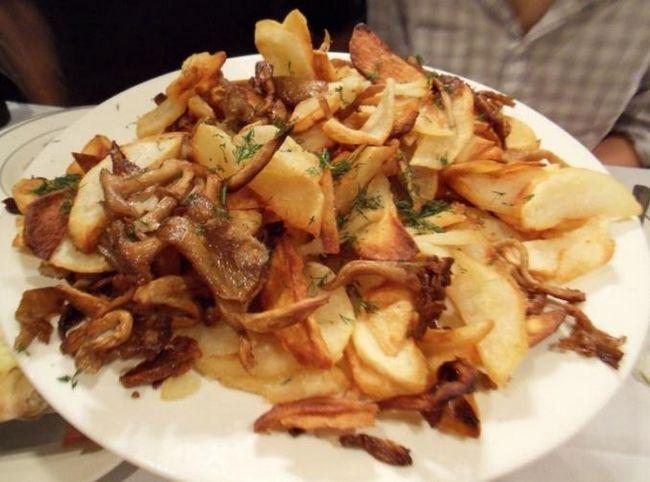 Картофель жареный с грибами: быстро, просто, невероятно вкусно!