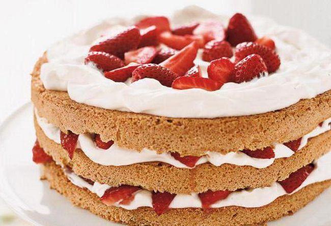 клубничный торт со сметанным кремом