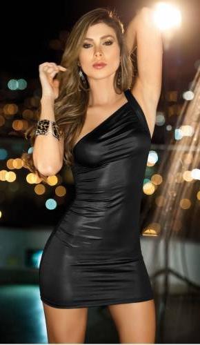 Клубное платье должно быть неотразимым