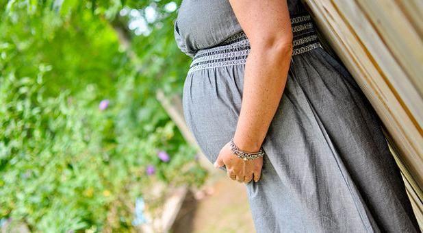 за сколько опускается живот до родов