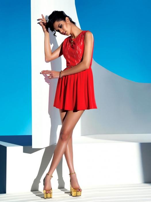 Красивые платья для девушек – прекрасный способ подчеркнуть женственность