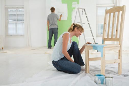 Краска для мебели. По каким критериям ее выбирать?