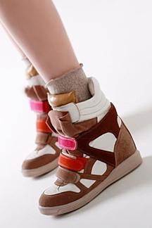 Кроссовки на платформе – утонченный писк моды