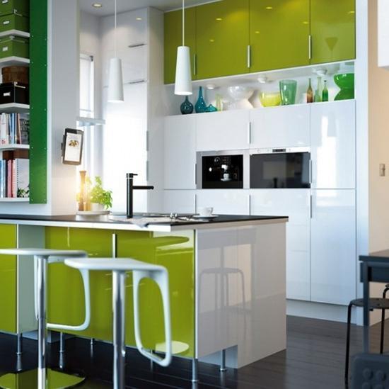 Интерьер кухни в стиле хай тек.