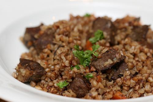 Кулинарные секреты. Гречневая каша с мясом в горшочках