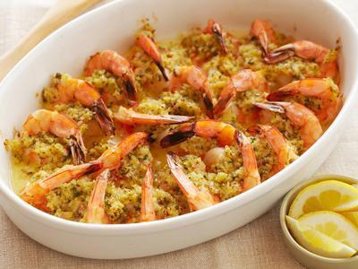 Кулинарный этикет: как едят креветки и что из них готовят?