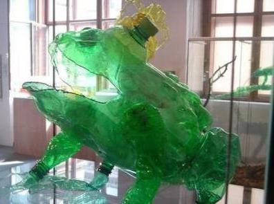 Мастер-класс: лягушка из пластиковой бутылки