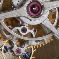 Механизм часов в двух основных вариантах