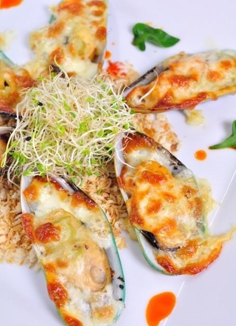 Мидии, запеченные с сыром - блюдо для настоящих гурманов