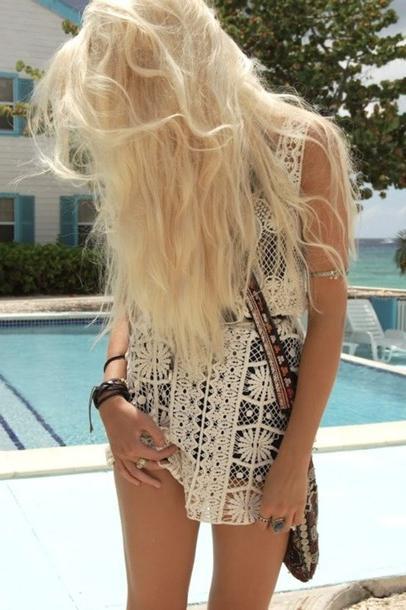 Модные вязаные летние платья