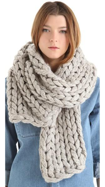Модный женский шарф