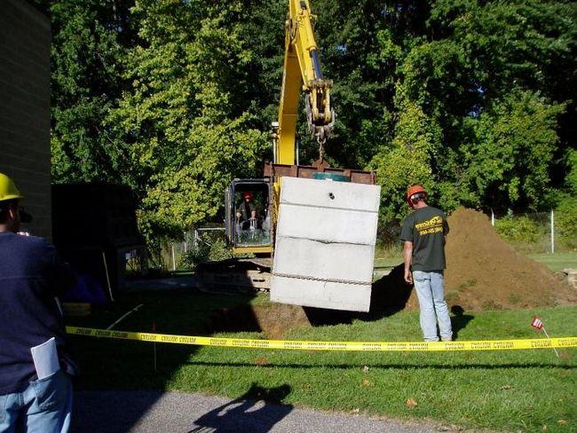 Монтаж канализации в частном доме. Варианты