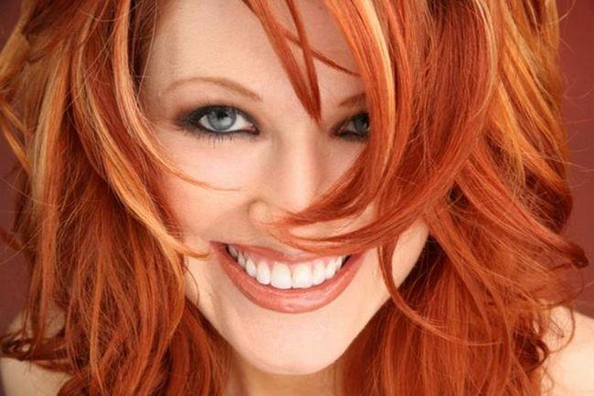Можно ли кормящей маме красить волосы?