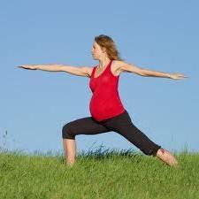 Можно ли заниматься спортом во время беременности? Стоит ли отказываться от активного отдыха?