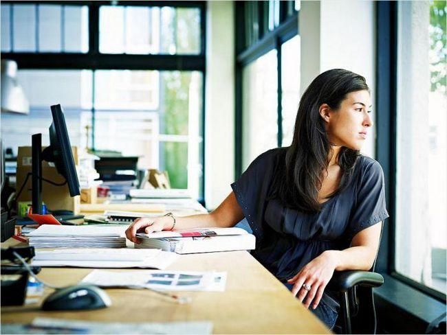 Наука подтверждает: чем люди умнее, тем больше они отвлекаются от работы