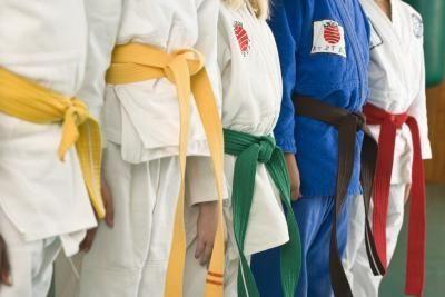 как завязывать пояс на кимоно