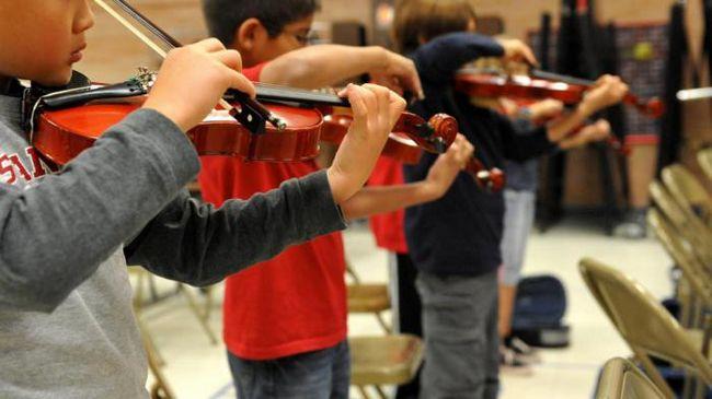 Обучение детей музыке помогает развивать новые связи в мозге