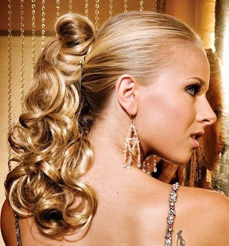 накручивание волос на утюжок