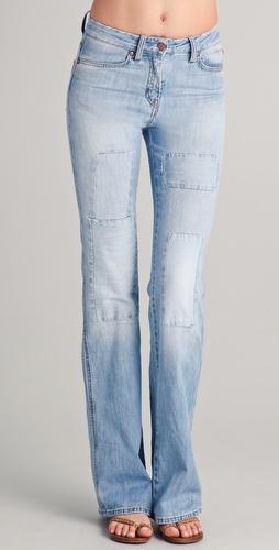 Оригинальная заплатка на джинсах подарит вашим брюкам новую жизнь
