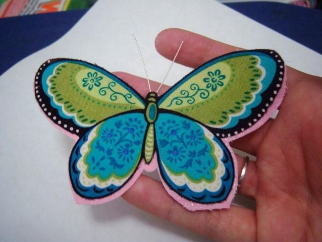 Оригинальное украшение – бабочка из ткани своими руками