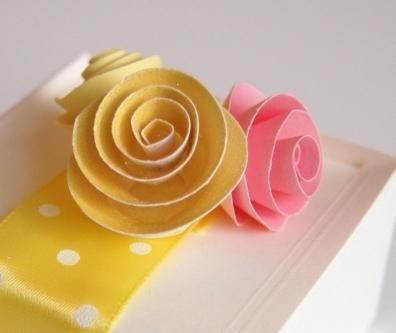 Оригинальные поделки: как сделать розу из бумаги своими руками?