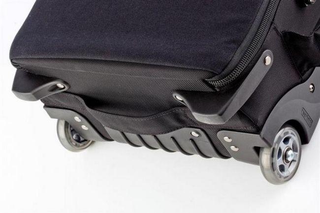 чемоданы на колесиках