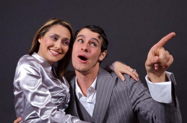 молодой парень и женщина