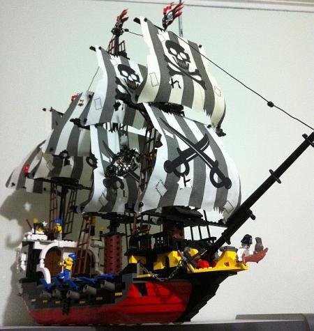 лего пиратский корабль