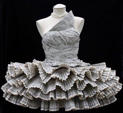 Платье из бумаги поможет выглядеть креативно