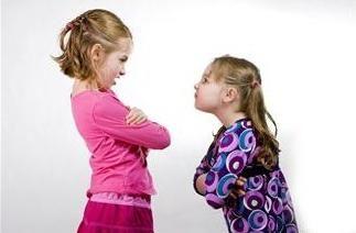 Почему бывает запах изо рта у детей. Причины возникновения