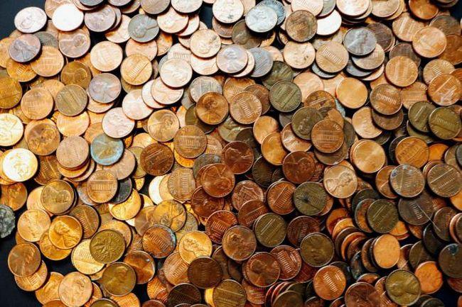 Почему нужно размещать медные монеты на ноутбуке?