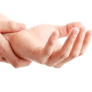 Почему рука немеет: причины, народное лечение