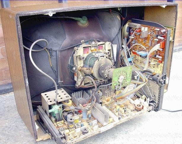Почему строчный трансформатор такой дорогой