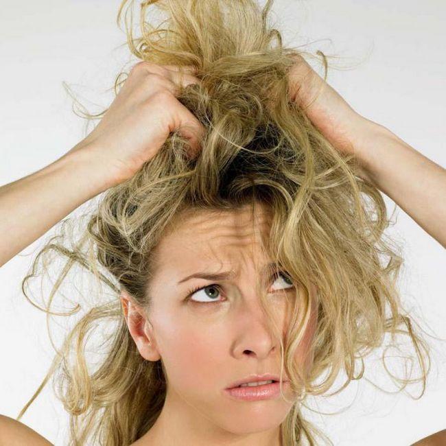 Почему волосы теряют цвет?