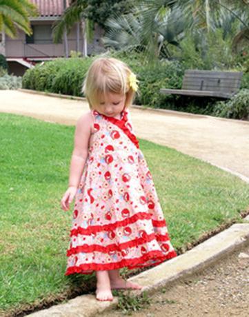 Повод для творчества: платья для девочек своими руками