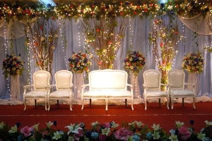 Оформление зала шарами на свадьбу