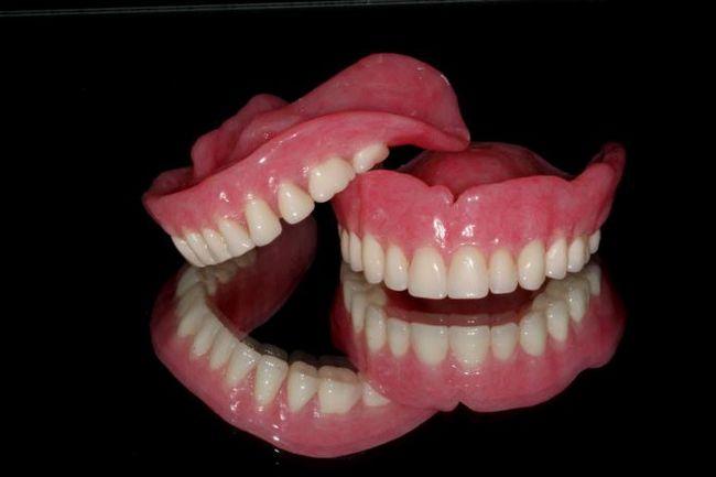 полные съемные зубные протезы какие лучше