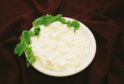 Рецепт домашнего сыра из творога: радуем близких и гостей
