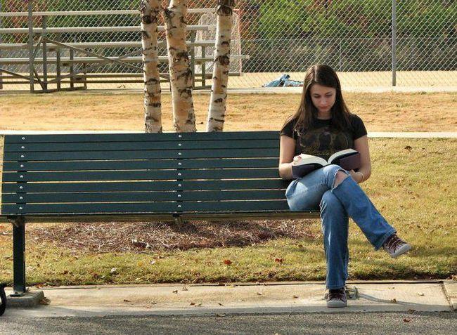 Регулярное чтение книг продлевает вашу жизнь на два года