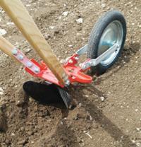 Ручной окучник для картофеля и другое дачное оборудование
