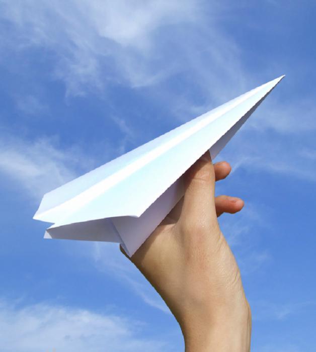 Самолетик из бумаги – возвращение к школьным годам