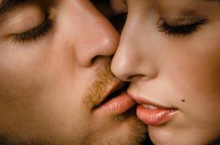 о чем говорят поцелуи