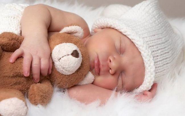 Сколько должны спать новорожденные дети