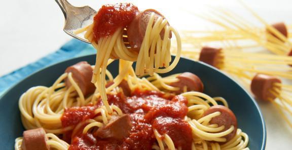 Спагетти с сосисками. Четыре простых рецепта