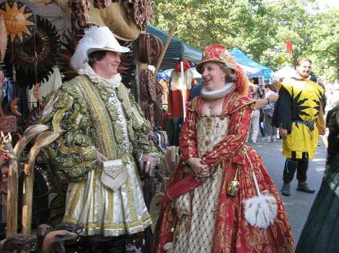 Средневековые платья и их цветовая символика