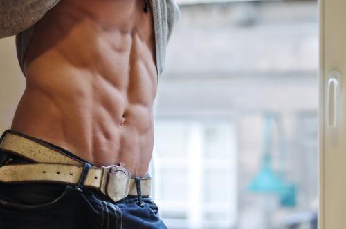 как убрать живот мужчине упражнения