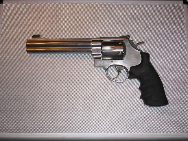 Существует ли в мире самый мощный пистолет?